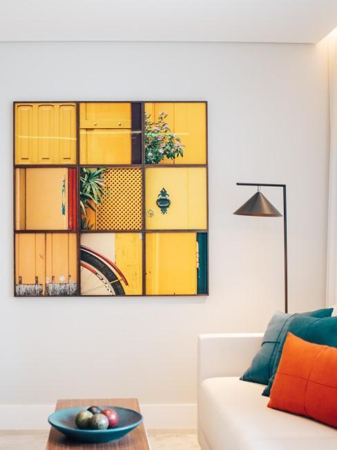 salón blanco con un cuadro amarillo