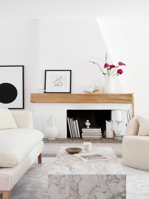 chimenea y muebles blancos scandifornian