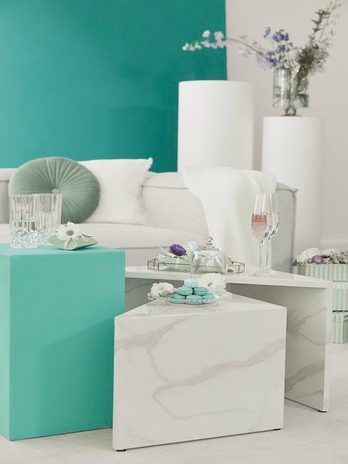 muebles en blanco y azul