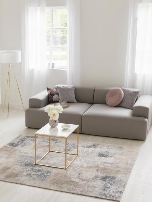 Salón con una decoración moderna minimalista