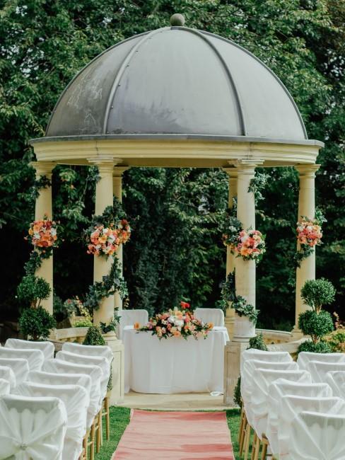 Ceremonia de una boda al aire libre