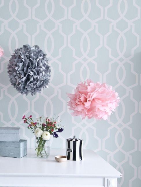 Pompones de colores decoración