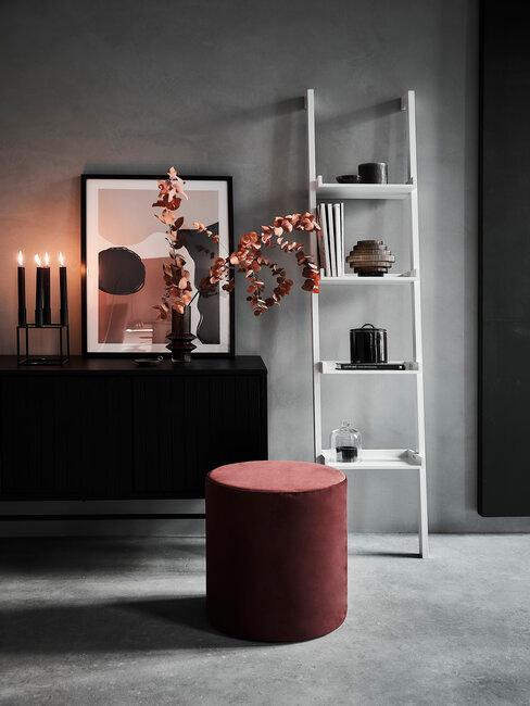 recibidor pasillo gris negro rojo moderno