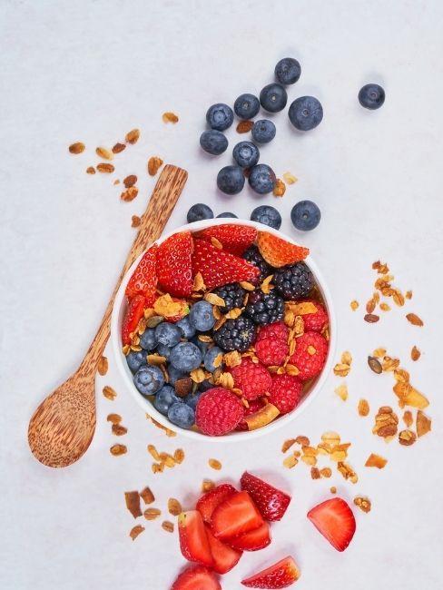 Bol de fresas y frutos rojos