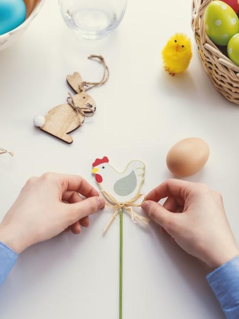 huevos y decoraciones para semana santa