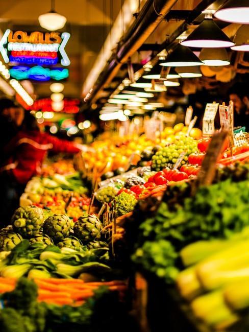 supermercado con verduras de temperada