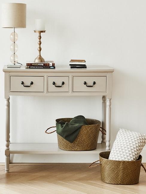mueble de madera clásico beige