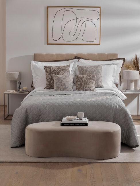 dormitorio con solores neutros gris y beige