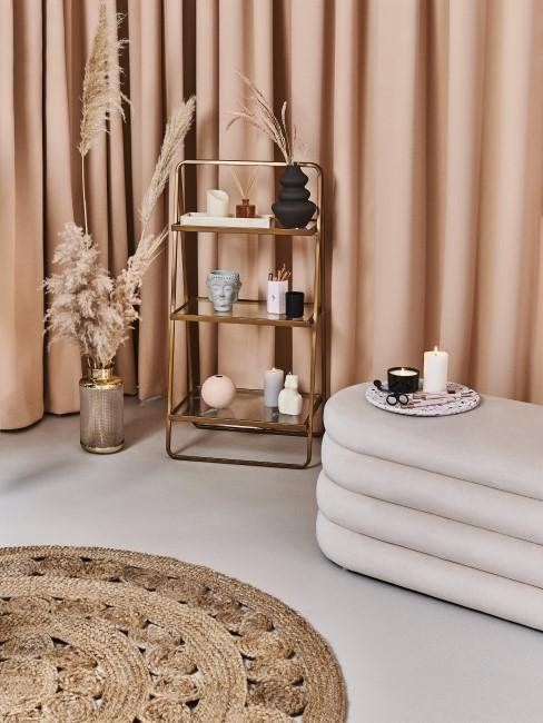 habitación decorada con colores pastel