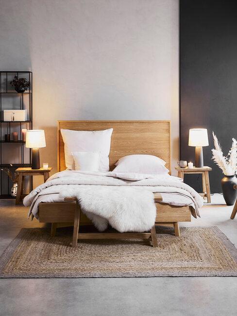 dormitorio con cama de madera y alfombra yute