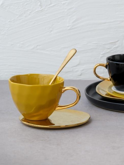 Tazas con asa y platito dorado