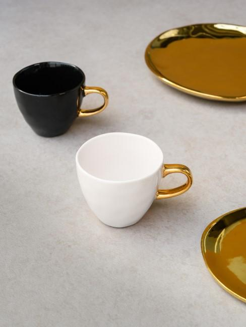 Tazas de café con platitos Good Morning