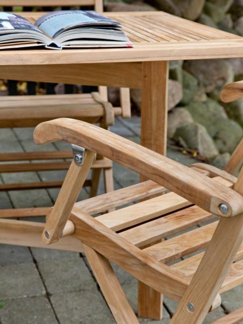 Silla y mesa de exterior de madera de teca