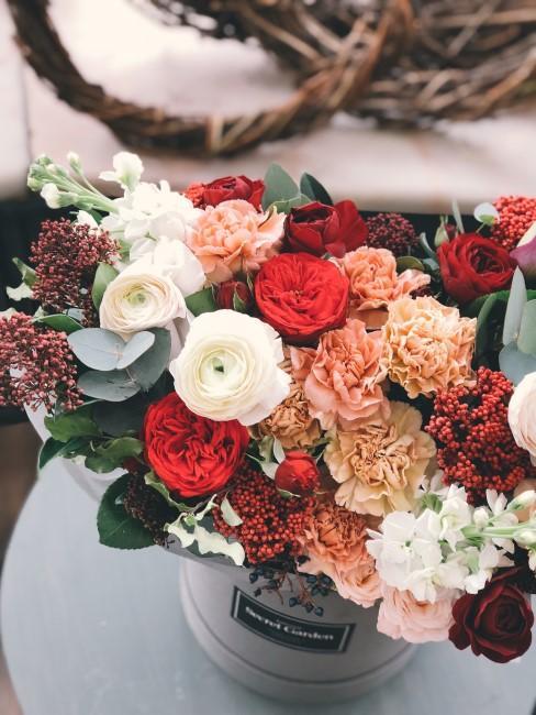 Caja de flores como regalo de aniversario