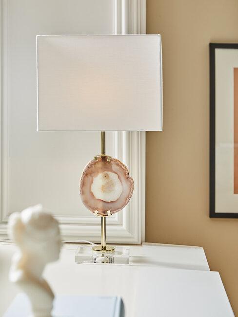 lámpara blanca de cuarzo