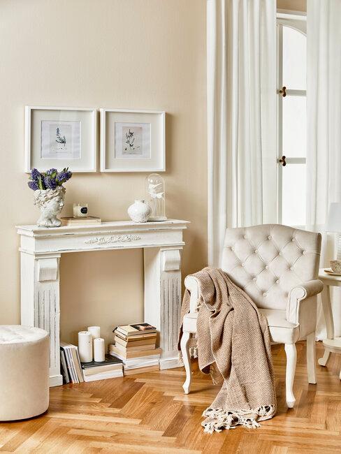 sillón y chimenea estilo francés