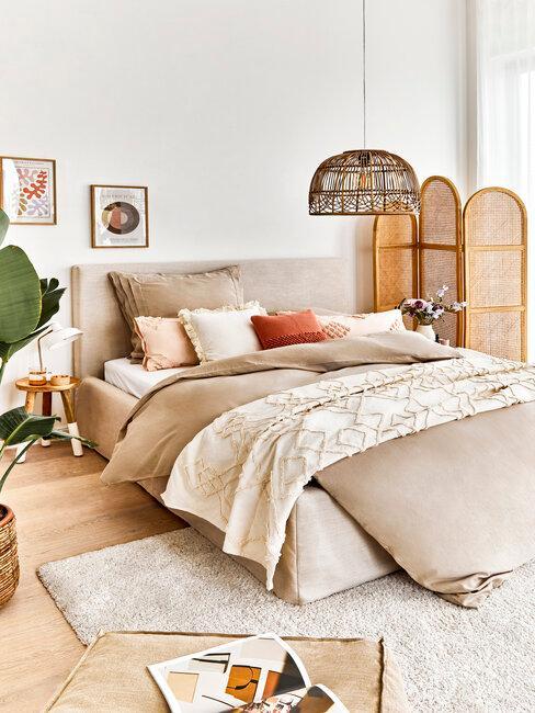 dormitorio estilo boho en beige
