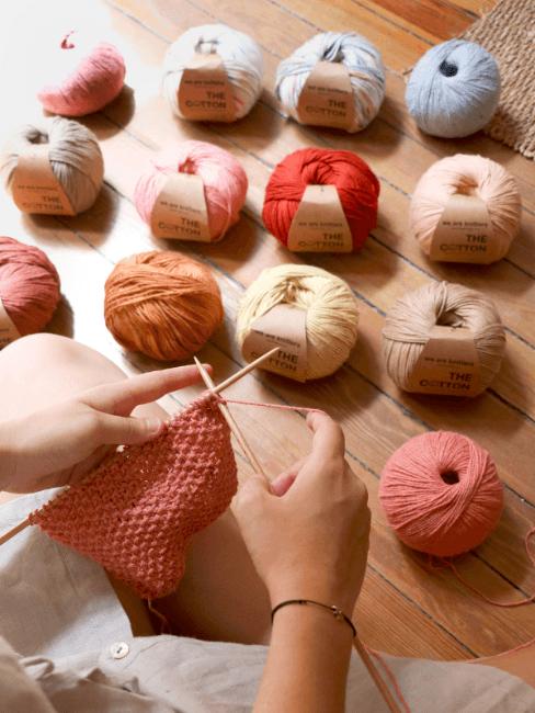 Ovillos de lana para tejer