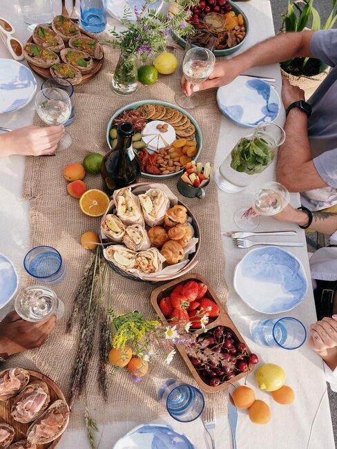 mesa banquete en casa