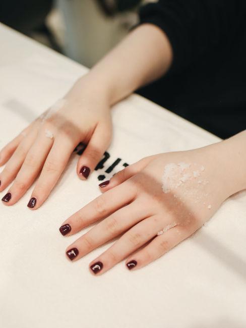 exfoliacion de manos