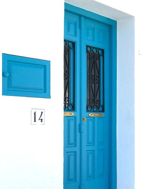 puerta azul turquesa