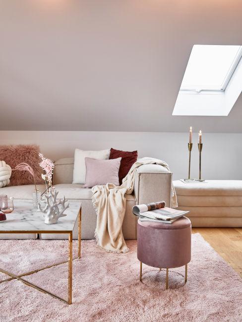 salón en blanco y rosa y terciopelo
