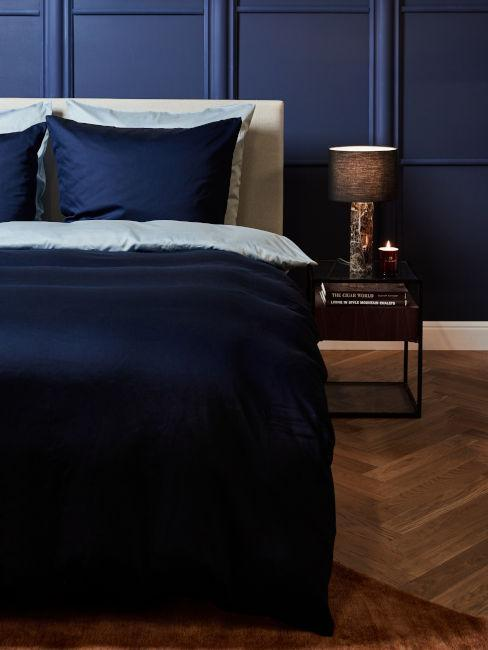 dormitorio paredes y sábanas azules