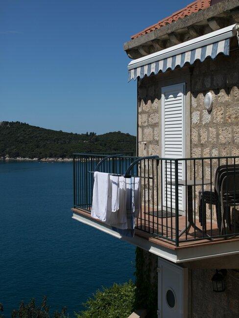 balcón de casa en playa