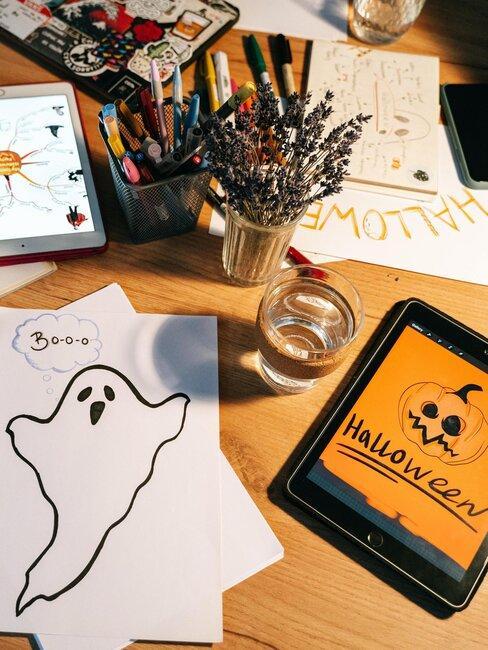 mesa con dibujos de halloween