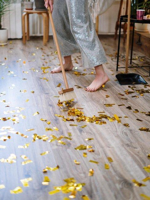 barrer piso luego de fiesta