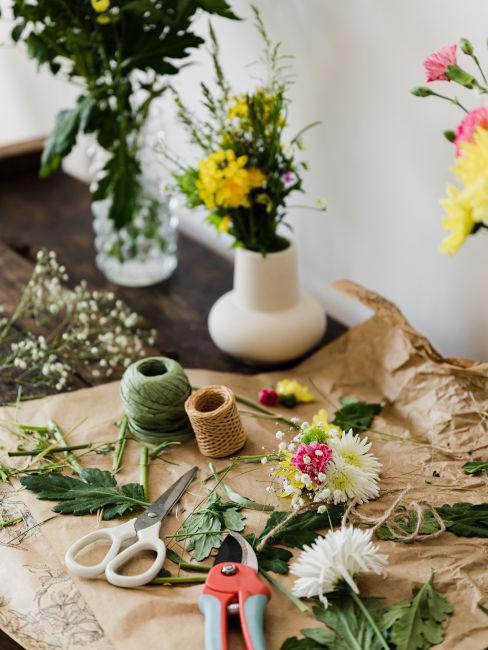 mesa para arreglo de flores