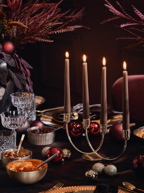 decoración mesa de navidad con velas