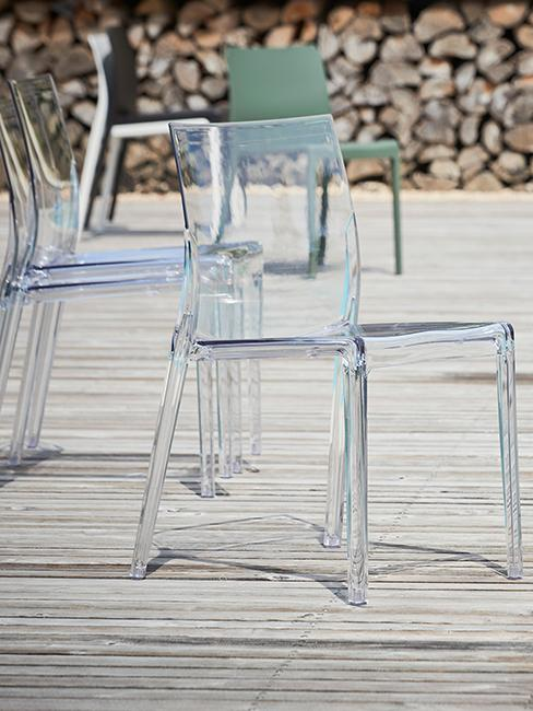 chaises transparentes extérieures