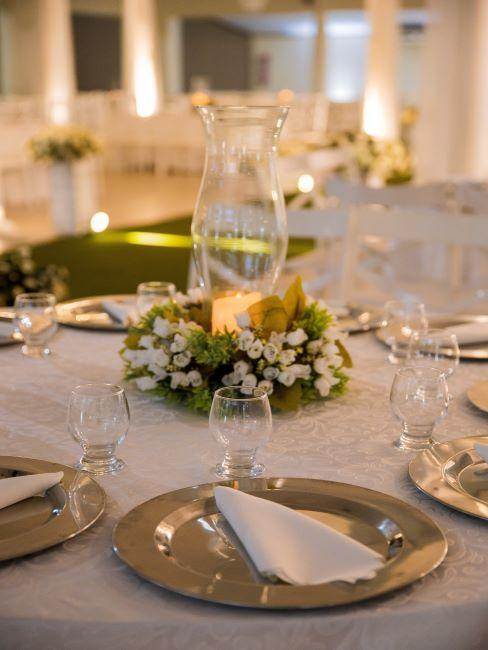 table de mariage épurée