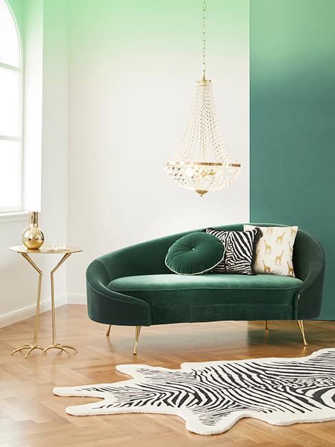 salon vert avec canapé en velours
