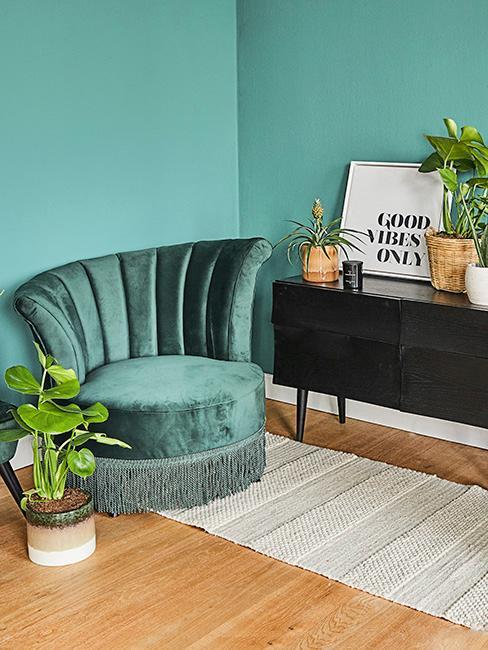 coin lecture avec mur vert