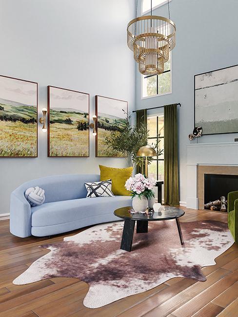 salon avec canapé bleu clair