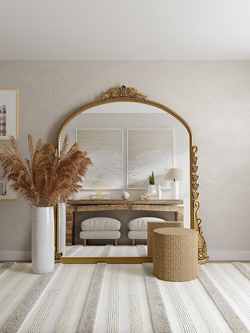 décoration tendance avec miroir vintage et herbe de la pampa