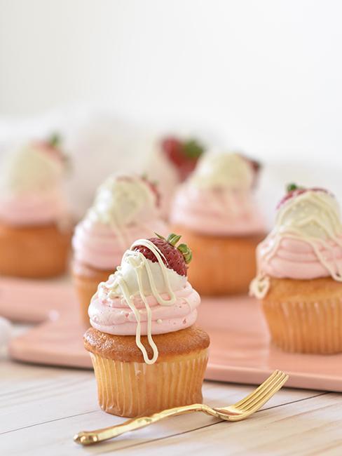 Cupcake toping à la crème et fraise