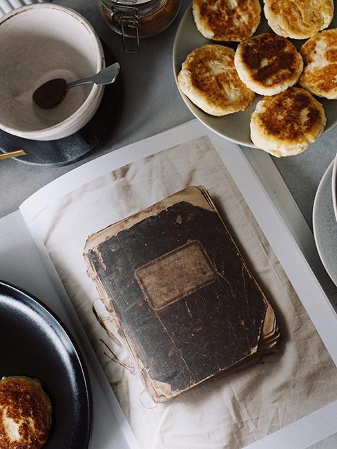 carnet de recettes sur une table