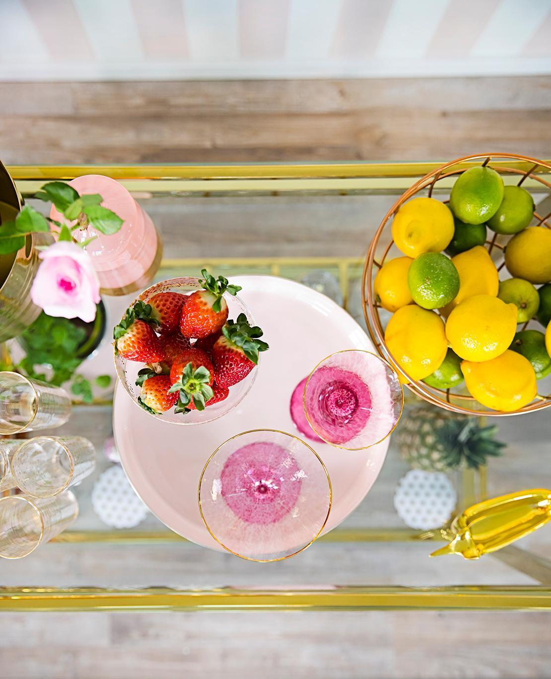 Apéritif avec fruits et cocktails