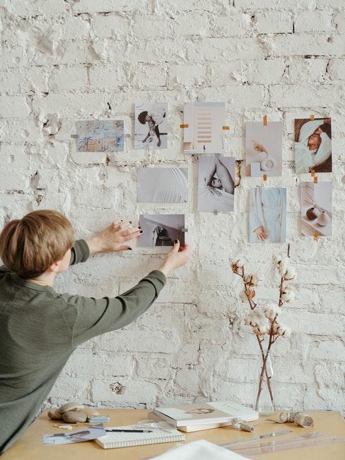 mur, tableau d'affichage, bouquet fleurs séchées