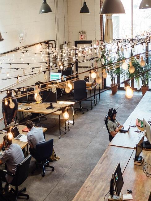 Bureau open-space style industriel