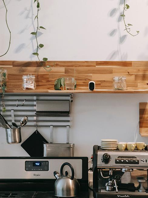 cuisine avec frise murale en bois