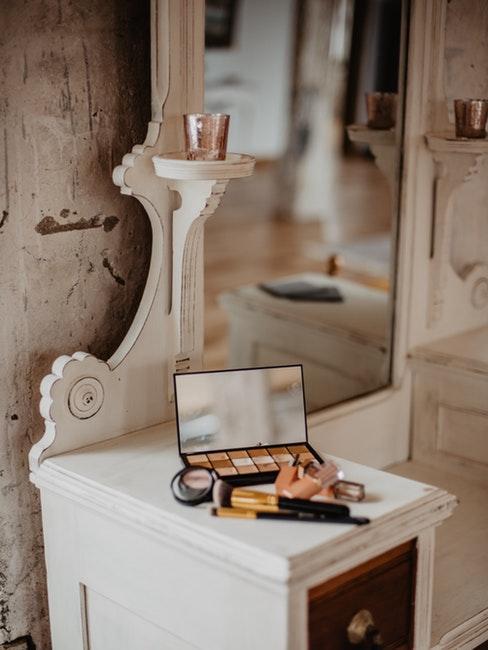 Beauty corner - toilette pour maquillage stylée