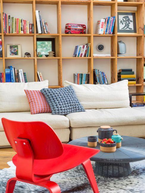 canapé double, salon, bibliothèque murale en bois