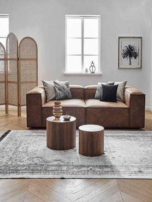 salon retro avec canapé en cuir