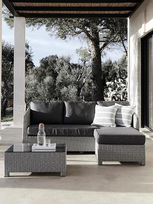 salon de terrasse noir et gris