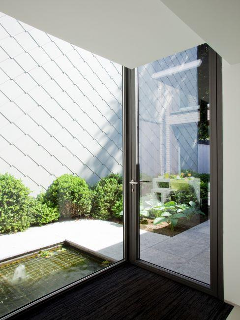 petit jardin zen minimaliste avec chemin de pierres