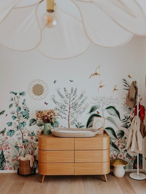 Chambre enfant blanche avec motifs vegetaux